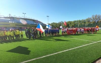 Tallinn Cup 2019 стартовал сегодня с группового этапа!! Сотни мальчишек постоянно мигрируют с одного поля на другое!